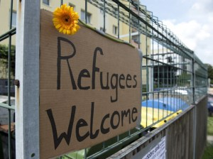 refugees-welcome1-e1440959404741